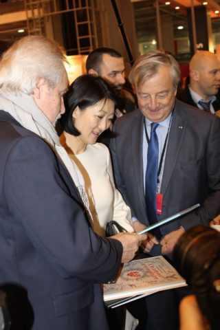 Fleur Pellerin inaugure le Salon du Livre 2015
