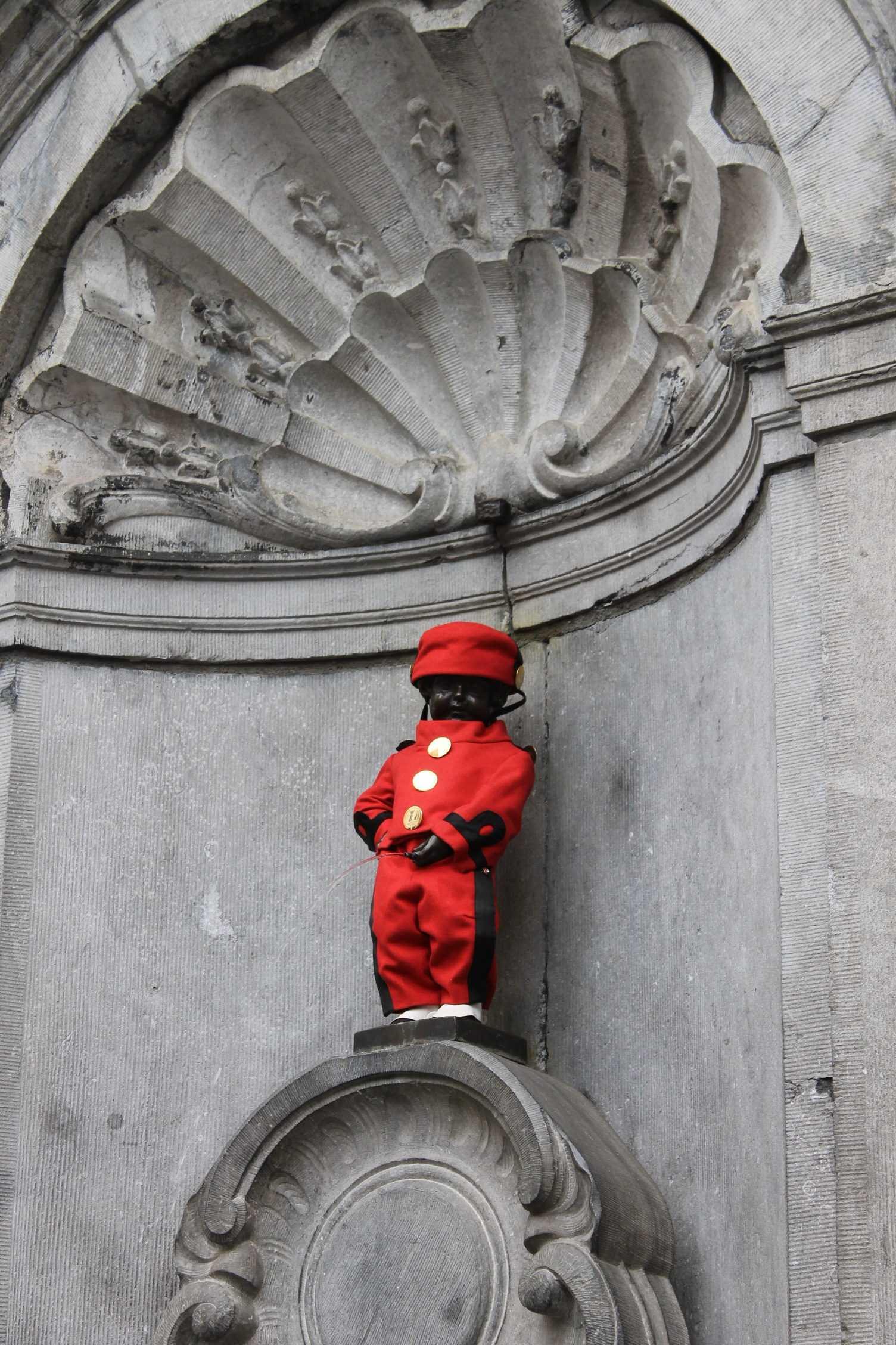 Des murs et des bulles dans les rues de Bruxelles