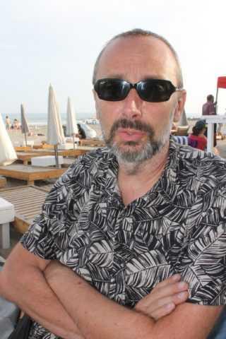 Interview Chauzy : «Après L'Été en pente douce une suite au Reste du monde»