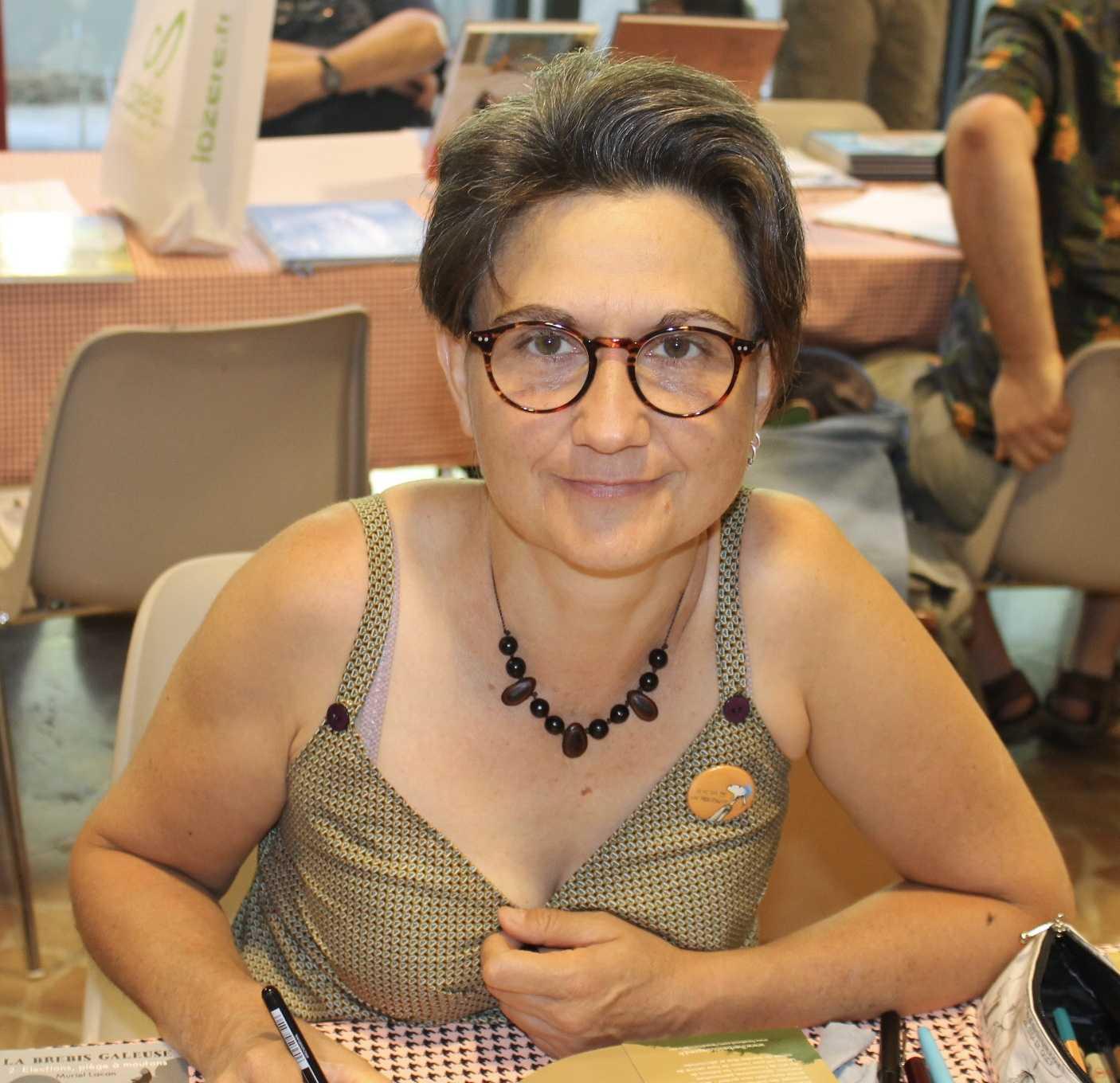 Interview : Muriel Lacan met sa brebis galeuse en vacances pour un blog et un roman graphique