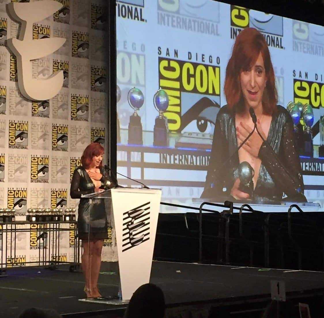 Pénélope Bagieu reçoit à San Diego l'Eisner Award du meilleur livre étranger pour Culottées